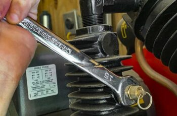 Farm Tools You Need To Keep Your Machinery Running