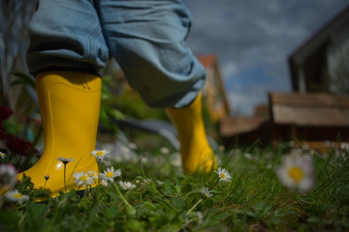 How To Choose Gardening Shoes