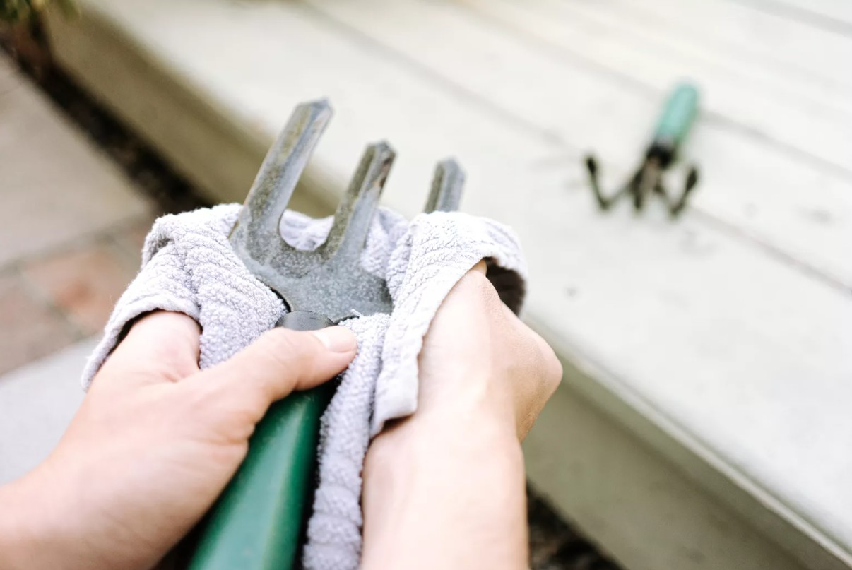 How To Disinfect Garden Tools